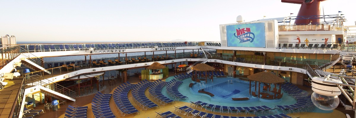 carnival-breeze-pool.jpg